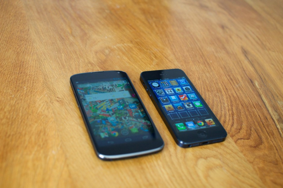 Google Nexus 4 iPhone 5