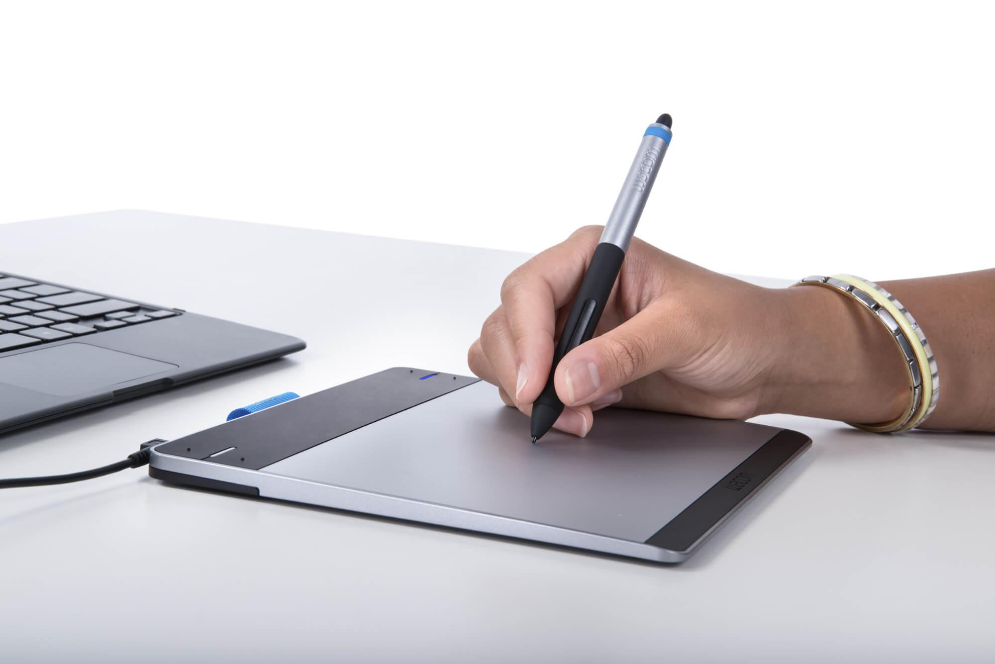 bon plan amazon tablette graphique wacom intuos pen. Black Bedroom Furniture Sets. Home Design Ideas