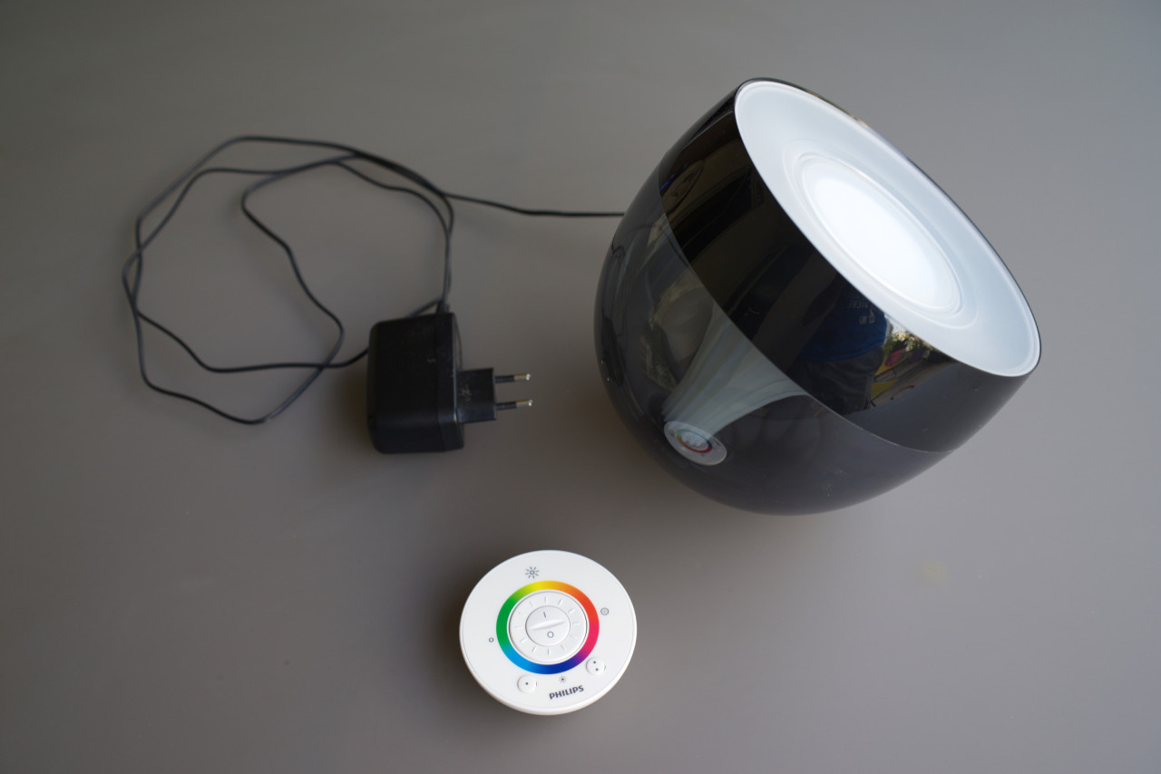 test de la lumire philips livingcolors iris black - Lampe Philips Color