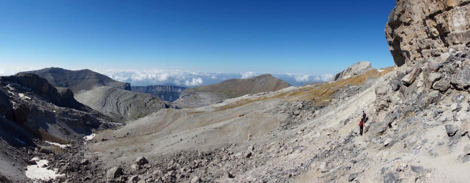 breche de roland pyrenees panoramique espagne