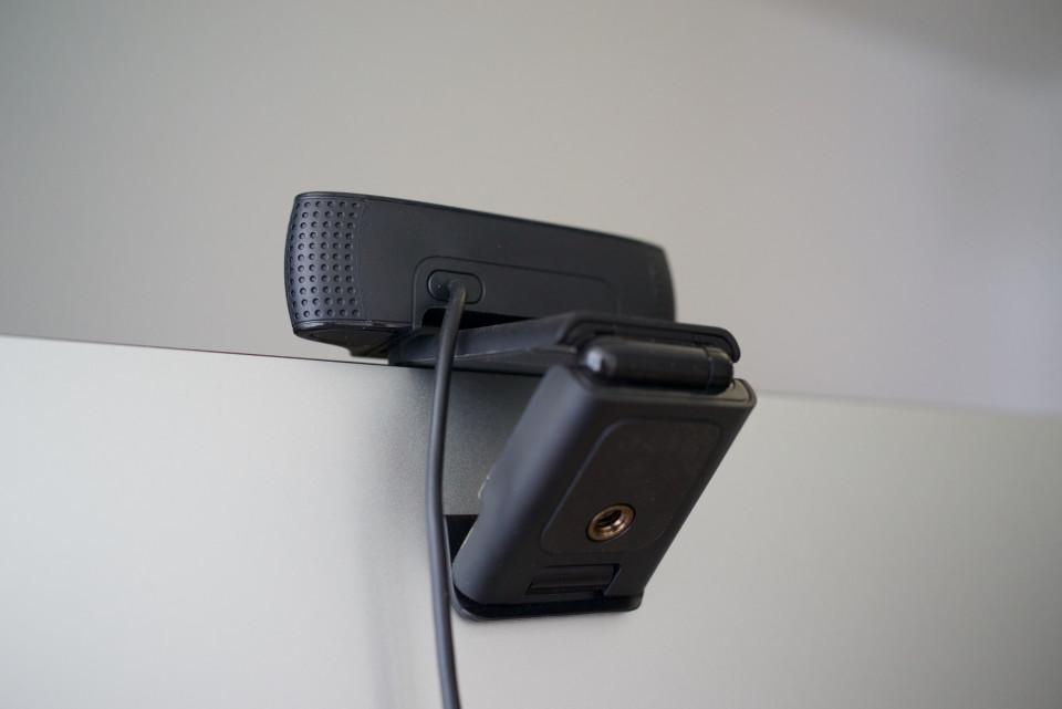 Logitech C920 arrière iMac 5K