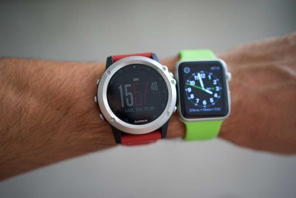 garmin fenix 3 vs apple watch