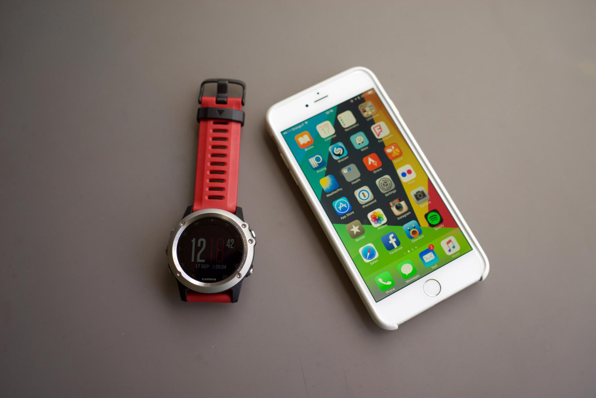 A Vendre Garmin Fenix 3 Et Iphone 6 Plus 128 Go
