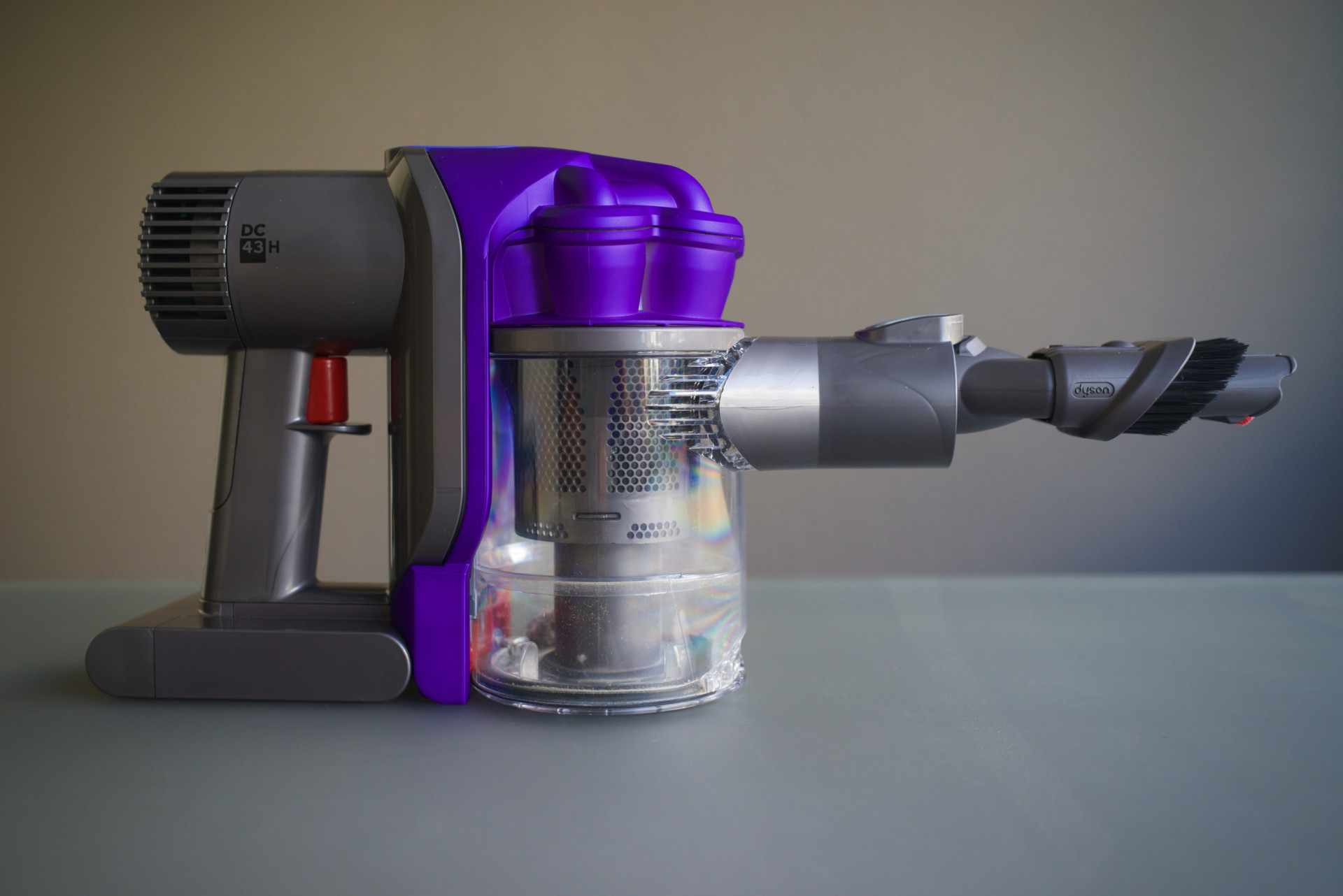 test de l'aspirateur à main dyson dc43h animal pro