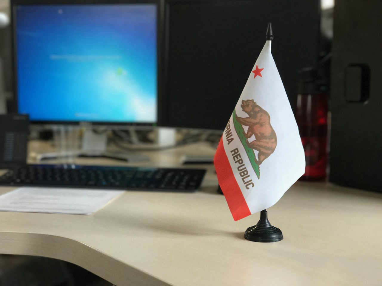depth-effect-mode-portrait-california-flag
