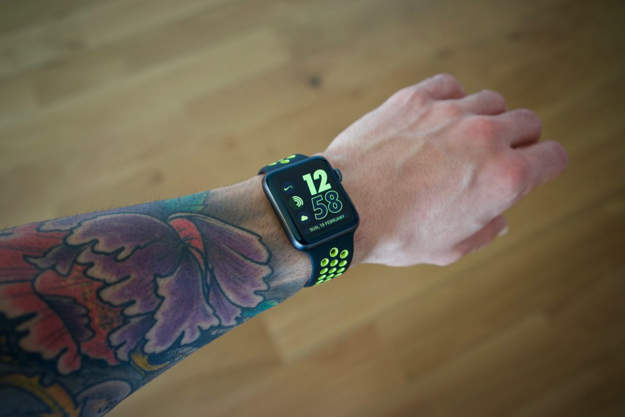 apple watch nike+ tatouage