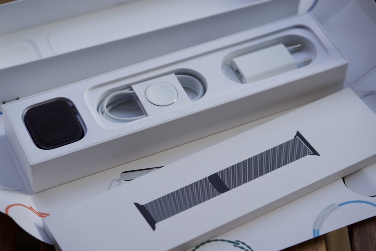 Apple Watch Series 4 packaging
