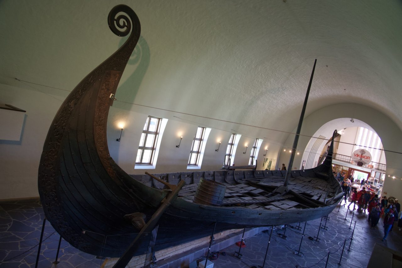 bateau viking dessus