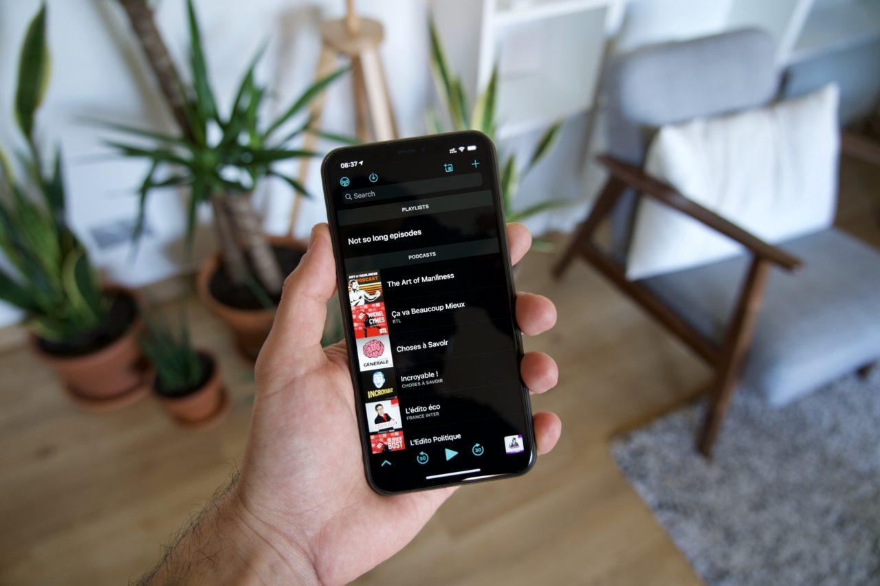 Overcast iPhone podcasts audio dark mode